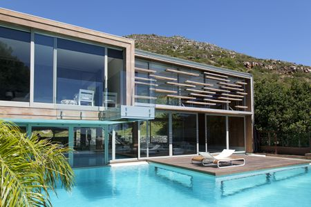 25 Beautiful Modern Swimming Pool Desig