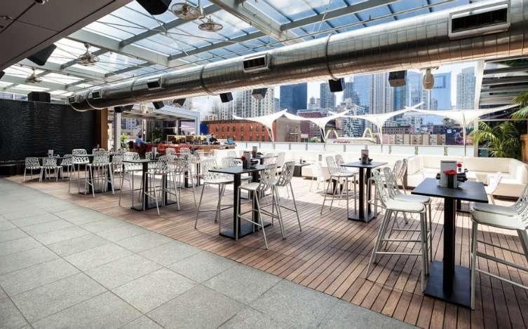 The Best Outdoor Bars in Chicago 20