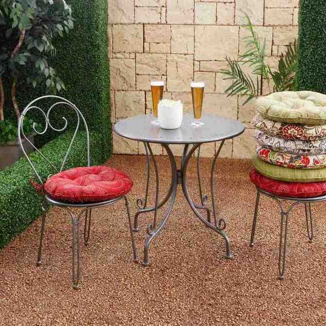 Round Patio Chair Cushions | Round outdoor cushions, Small outdoor .