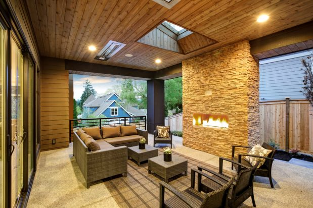 How to Enjoy Your Outdoor Living Space in Winter | Distinctive .