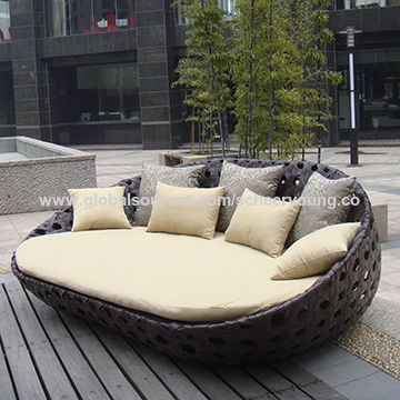 Outdoor Patio Sofa Wicker Furniture , Sunbed Rattan Outdoor lounge .