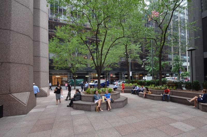 Well Designed Outdoor Spaces Offer Big Dividends to Urban Business