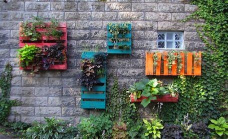 31 DIY Pallet Ideas | Pallet garden, Wall garden, Pallets gard