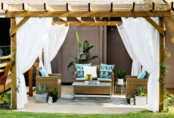 Turn Your Patio Into A Stylish Outdoor Loun