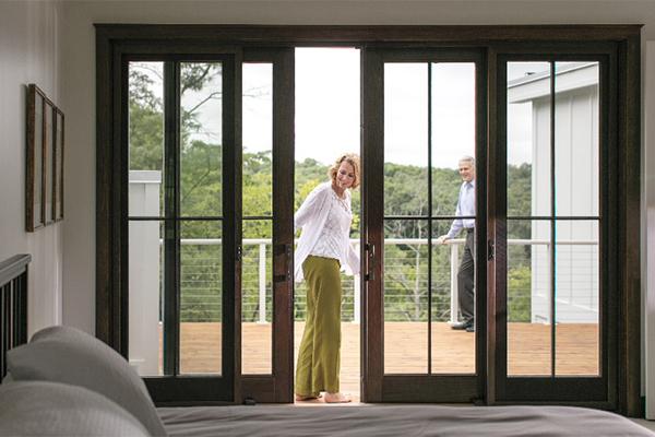 Bifold Patio Doors Define Modern Style – Pella Columb