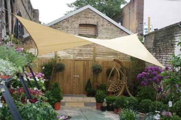 Backyard Patio Shade Ideas | Achtertuin patio, Achtertuin ontwerp .