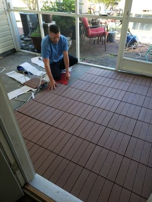 Wilson & Fisher Brown Faux Wood Interlocking Deck & Patio Tiles .