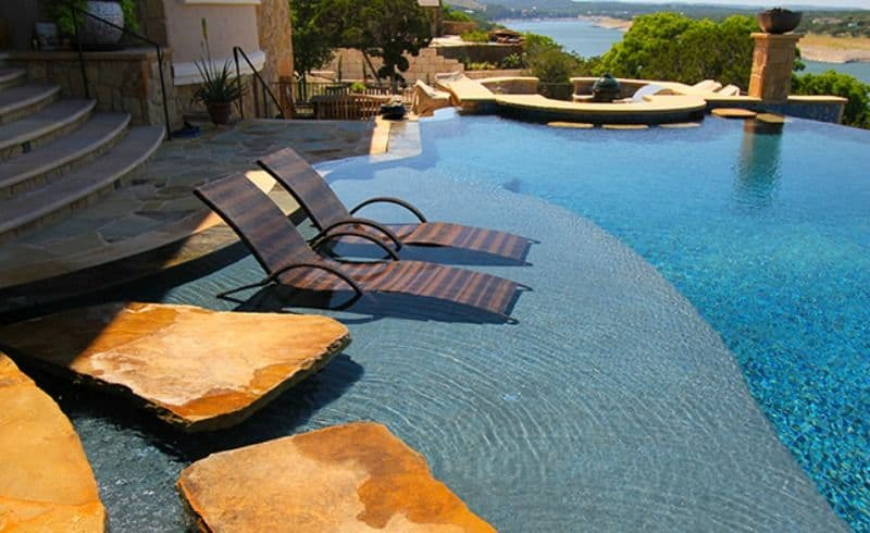 Luxury Pool Chairs for a Summer Lounge Oas