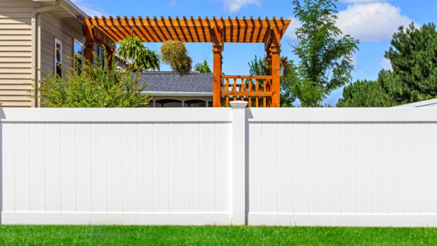 What Is a Privacy Fence? Hide Your Home From Nosy Neighbors .