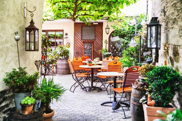 Small Gardens - Inspiring Garden Ideas for all gardene