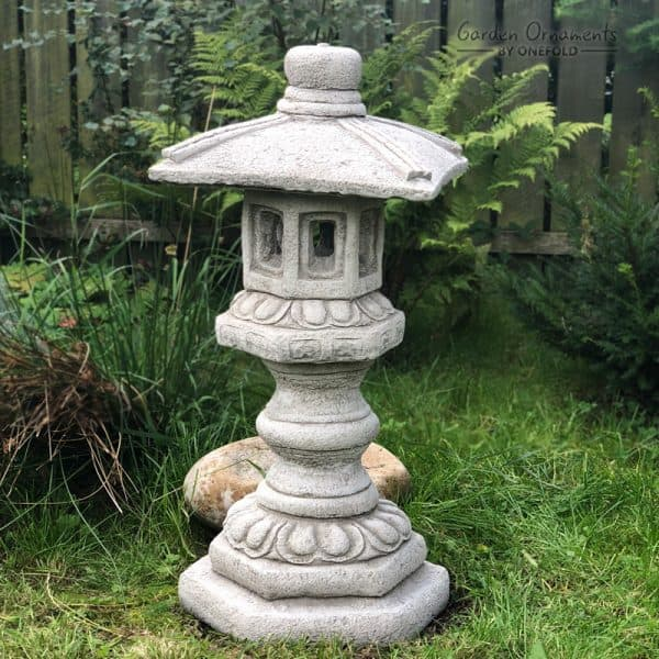 Pagoda Stone Garden Ornament: Large - Garden Ornaments by Onefo