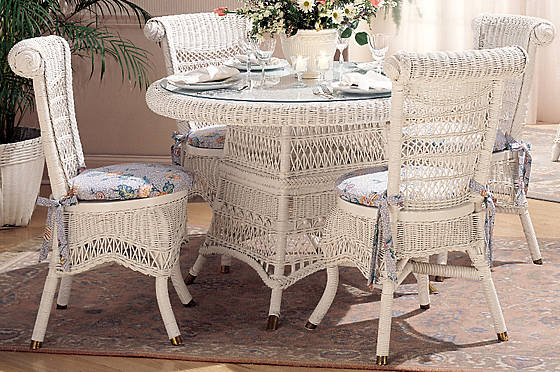 Classic Wicker Dining S