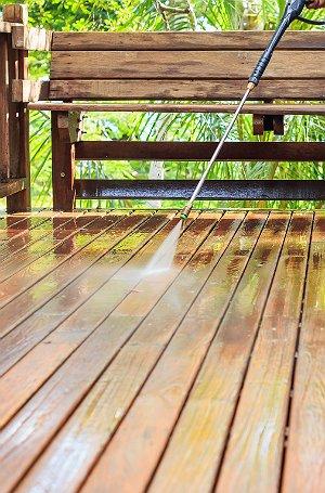 The Dos and Don'ts of Deck Maintenance - Bob Vi