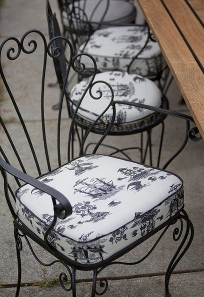 French Photos | Wrought iron chairs, Iron chair, Iron dec